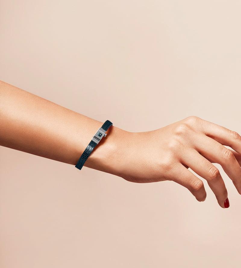 Bracelet personnalisable en lézard bleu nuit, simple tour.