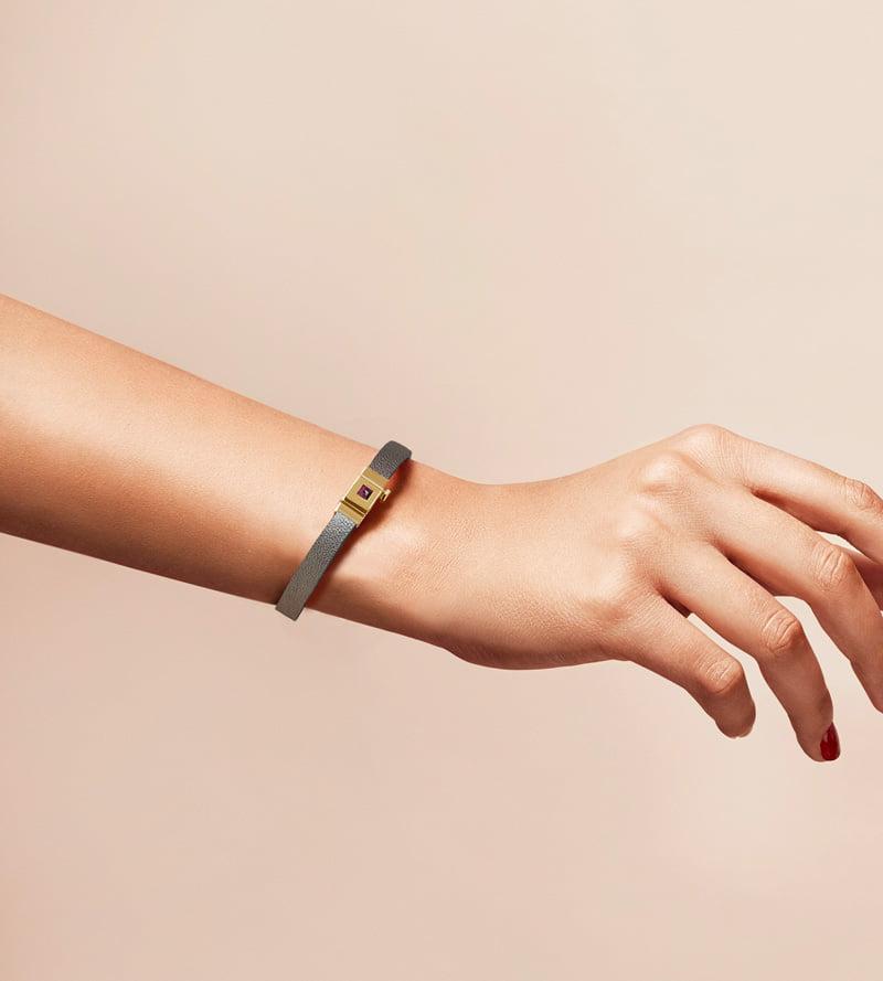 Bracelet personnalisable en cuir argenté, simple tour.