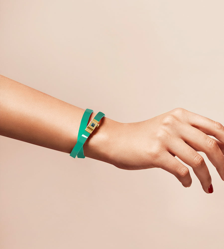 Bracelet personnalisable en cuir glossy vert menthe, double tour.