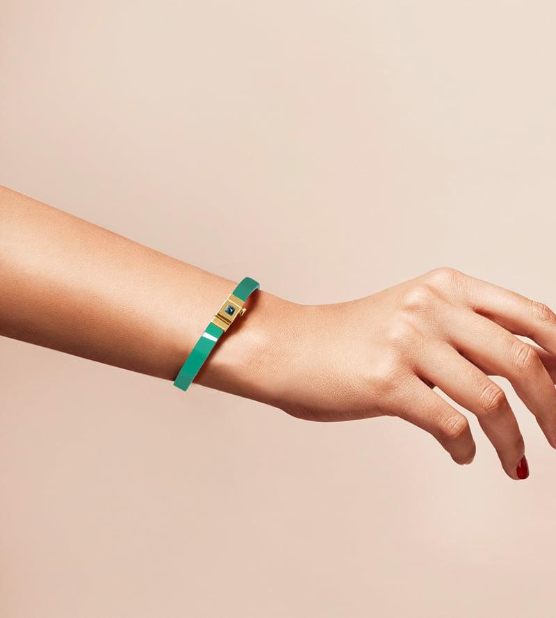 Bracelet personnalisable en cuir glossy vert menthe, simple tour.
